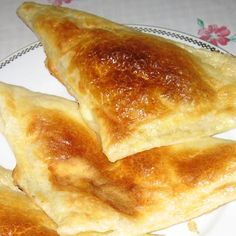 Khachapuri puff sandwiches recipe (Хачапури слоеные, бутерброды слоеные), a traditional Georgian dish of cheese-filled bread. Also popular in Russia. This version is a fried sandwich