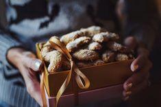 Vanilkové rohlíčky (bez lepku a cukru) Lchf, Low Carb, Cooking Recipes, Diet, Baking, Cookies, Food, Culture, Christmas 2017