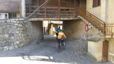 Sotto i ponti di #Dorsino uno dei piccoli borghi contadini della #Comano ValleSalus ai piedi delle #Dolomiti. #visitacomano #mtb #escursioniguidate #bicicletta #ebike #trentino