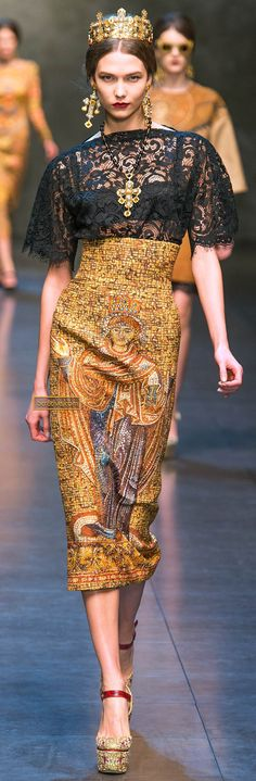 Dolce & Gabanna Fall Winter 2013-14 - One of my favorites & Karlie Kloss has the walk!