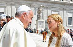 Papa recibe a esposa de Leopoldo López