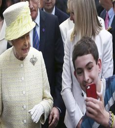 Meeting the Queen, but first…lemme take a selfie!