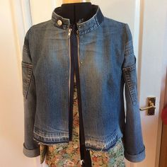 #therefashioners2016 : a choice of zips have arrived - obviously the original jean zip was brass, but it didn't show, and I think I want the zip to feature. #jeanius #denimjacket #remake #recycle @portialawrie