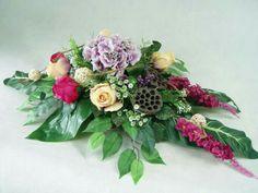 Black Flowers, Ikebana, Funeral, Floral Arrangements, Floral Design, Floral Wreath, Wreaths, Creative, Crafts