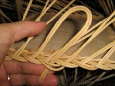 OPLET DNA MIRAHELKA – pletynek – album na Rajčeti Rolled Paper, Weaving Patterns, Basket Weaving, Dna, Crochet, Newspaper, Rattan, Apples, Baskets