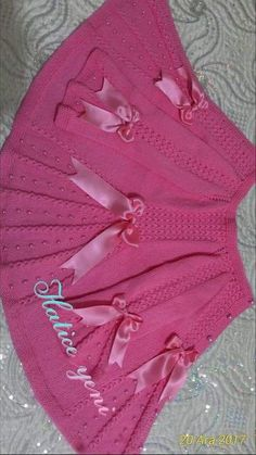 "diy_crafts- galeriye kaydet ""This post was discovered by Ayl"" ""Beğenme, 139 Yorum - Ins"", ""galeriye kaydet \""This post was discovered by A Shrug Knitting Pattern, Lace Knitting Patterns, Knitting Designs, Crochet For Boys, Knitting For Kids, Baby Knitting, Diy Crafts Knitting, Diy Crafts Crochet, Crochet Baby Jacket"
