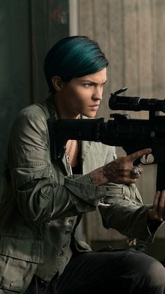 Ruby Rose Hair, Ruby Rose Style, Hollywood Actresses, Actors & Actresses, Maquillaje Halloween, Rose Wallpaper, Orange Is The New Black, Attractive People, Girl Crushes