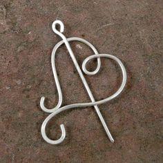 Swirl Heart Shawl Pin in Silver Copper or by Twiceshearedsheep Diy Jewelry Tools, Fork Jewelry, Scarf Jewelry, Bead Jewellery, Copper Jewelry, Wire Wrapped Jewelry, Hair Jewelry, Jewelry Crafts, Beaded Jewelry