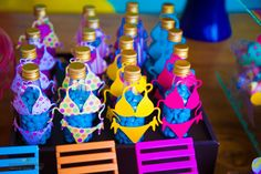 Most Popular pool party biquini ideas Birthday Party Snacks, Luau Birthday, Carnival Birthday Parties, Aloha Party, Neon Party, Kitty Party Games, Cat Party, Hawaian Party, Pool Party Kids
