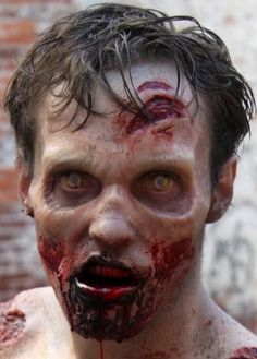 Watch a Deleted Zombie Attack Scene from The Walking Dead Season 2 Blu-ray/DVD - Daily Dead Cool Halloween Makeup, Halloween Inspo, Scary Halloween Costumes, Halloween 2017, Halloween Make Up, Halloween Zombie, Zombie Makeup, Scary Makeup, Sfx Makeup
