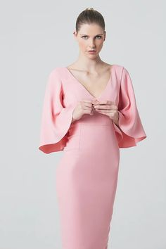 French designer Sakina Shbib launched her first Ready-to-wear 2017 collection. Sakina associates her two strongest signatures: structure and elegance. Hereby is the Lookbook shot by photographer Mokhtar Beyrouth.  Tags: Pret a porter, Sakina Paris, Fashion designer, Arab, craftsmanship, elegantly, allure, Parisian, style, garments, minimalism, French look, French style, French elegance, fashion photography, editorial, fashion editorial, mode, photo de mode, photoshoot, dress,