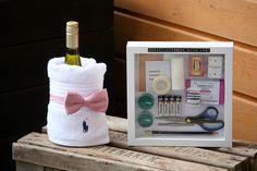 Survival kit for summer house. Ikean Ribba-kehyksen sisään tehty mökkeilijän selviytymispakkaus.