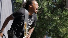 """Eric Gales - """"Don't Fear The Reaper/All Along The Watchtower"""" - http://dailyvideo.guitars/eric-gales-dont-fear-the-reaperall-along-the-watchtower/ -  Eric Gales – """"Don't Fear The Reaper/All Along The Watchtower"""" (Live at the 2017 Dallas Guitar Show)"""