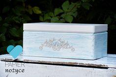 Takie cudeńko na Twój zimowy Ślub! Kuferek na koperty ze zdobieniem zobacz też https://www.facebook.com/Papier.nozyce/?fref=ts