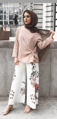 Street Hijab Fashion, Muslim Fashion, Modest Fashion, Hijab Style, Hijab Chic, Modest Dresses, Stylish Dresses, Long Dresses, Two Piece Outfits Pants