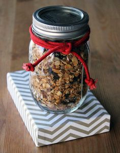 Bake up a big batch of healthy granola and package it in the spirit of holidays