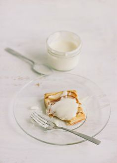 pear tarts with honey-bourbon crème fraîche | the vanilla bean blog