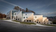 RESIDENTIAL BUILDING WITH 15 UNITS by Metaform