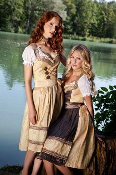 Dirndl München: adaptiert zum Partykleid schlechthin adelt das Dirndl Volksfeste und Wiesnfeste - allen voran das Münchner Oktoberfest.