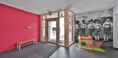 Starke Farben für starke Kids: Caparol 3d Rose, Design Studio, Divider, Loft, Social, Bed, Magenta, Furniture, Home Decor