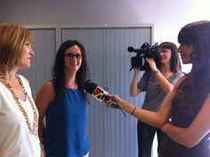 El equipo de www.artmemori.com explica su proyecto para acompañar a familias en duelo a la Televisión de Aragón.