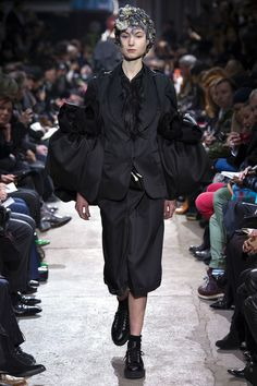 Comme des Garcons Fall 2013. 1820-1835 the sleeves of this jacket are upside-down demi-gigot sleeves.