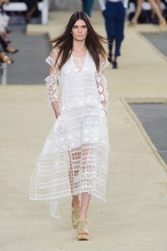 See the entire collection from the Chloe Spring 2014 Ready-to-Wear runway show. Fashion Week, Fashion Show, Fashion Design, Couture Fashion, Runway Fashion, Paris Fashion, Lace Dress, White Dress, Lace Maxi