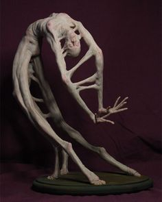 Twisted contortionist sculpture by @mattl21 #beinartcollective
