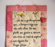 *Arte e Ofício Ateliê* Towel Apron, Sewing Machine Projects, Prayer Flags, Embroidery Fonts, Hand Embroidery, Mini Quilts, Cutwork, Hand Lettering, Needlework