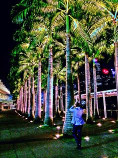 Marina Bay Sands promenade