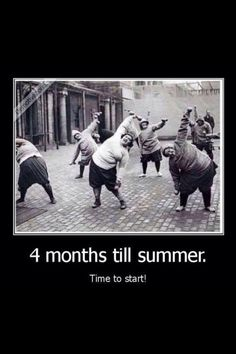 four months until summer time to start getting that beach body - Dump A Day I Love To Laugh, Make Me Smile, Old Photos, Vintage Photos, Dump A Day, Historical Photos, Summer Time, I Laughed, Laughter