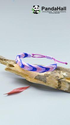 Diy Bracelets Video, Diy Friendship Bracelets Patterns, Bracelet Crafts, Jewelry Crafts, Rope Crafts, Diy Crafts Hacks, Diy Crafts For Gifts, Macrame Bracelet Patterns, Macrame Bracelet Tutorial