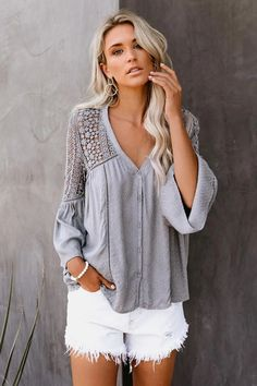 This stylish top exhibit brilliant design with unique floral lace patterns and circular flounce sleeves. Perfect for all season. Great for a casual day outfit. Bell Sleeve Blouse, Bell Sleeves, Bell Sleeve Top, Boho Fashion, Fashion Outfits, Fashion Blouses, Elisa Cavaletti, Mode Boho, Denim Cutoffs
