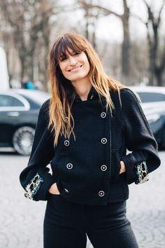 Take a look at some of the best street style looks spotted at the most fashionable shows of Paris Fashion Week Fall/Winter Casual Street Style, Look Street Style, Model Street Style, Models Style, Street Styles, La Fashion Week, Daily Fashion, Paris Fashion, Fashion Weeks