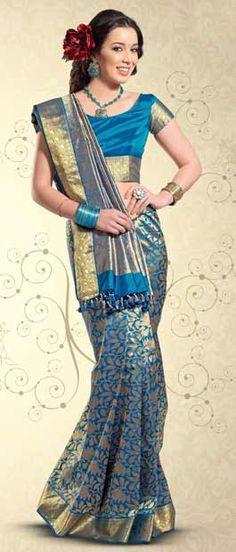 Indian Saree: Online Saree Shopping Made Easy With Latest Designs at Utsav Fashion Indian Outfits, Indian Clothes, Banarsi Saree, Indian Dresses Online, South Indian Sarees, Wedding Silk Saree, Pakistan Fashion, Pure Silk Sarees, Beautiful Saree