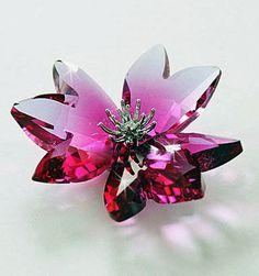 Swarovski Crystal Flower DILICIA FUCHSIA RAIN #956806 – Zhannel Crystal Garden, Crystal Flower, Crystals Uk, Swarovski Crystals, Swarovski Butterfly, Swarovski Crystal Figurines, Paradise Flowers, Vases, Glass Figurines