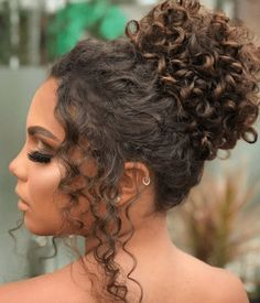 Curly Bridal Hair, Curly Hair Updo, Long Curly Hair, Really Curly Hair, 3a Hair, Kids Curly Hairstyles, Step By Step Hairstyles, Curled Hairstyles, Wedding Hairstyles For Curly Hair