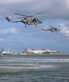 vlootdagen 2006 Den Helder Military Helicopter, Military Aircraft, Marine News, Westland Lynx, Augusta Westland, Royal Dutch, Navy Marine, Royal Navy, Battleship
