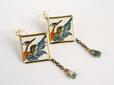 Recycled tin earrings with bird and wing Floral par elisaboutique
