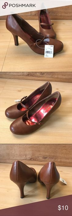 Massini Brown Mary Jane Pumps size 6.5 NWT NWT, never worn. Brown leather Mary Janes. Massini Shoes Heels