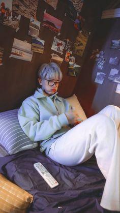 Chanbaek, Kpop, Mahal Kita, Baekhyun Wallpaper, Fanart, Exo Lockscreen, Kim Minseok, Happy Pills, Exo Chanyeol