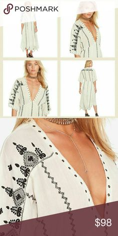 RALPH LAUREN GROMMET TRIM GAUZE DRESS Beautiful flowing dress with embroidery throughout. Cotton/Viscose. Dress is lined.....No trades......Make me a reasonable offer...... Denim & Supply Ralph Lauren Dresses Maxi