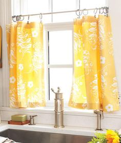 DIY Home Decor: Cafe Curtains – Kristin Y. DIY Home Decor: Cafe Curtains Hello everyone, Today, we have shown Kristin Y. Cafe Curtains with Tension Rod & Clip Rings. Use pretty cloth napkins or tea towels, pretty sheets/tablecloth for long curtains? Kitchen Window Curtains, Kitchen Window Treatments, Kitchen Windows, Yellow Kitchen Curtains, Window Blinds, Kitchen Yellow, Mini Blinds, Window Shutters, Living Room Yellow Curtains