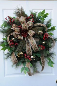 Christmas wreath with berries and gold by HeatherKnollDesigns Christmas Mesh Wreaths, Winter Wreaths, Christmas Swags, Christmas 2016, Merry Christmas, Xmas Decorations, Decoration Noel, Outdoor Christmas, Rustic Christmas