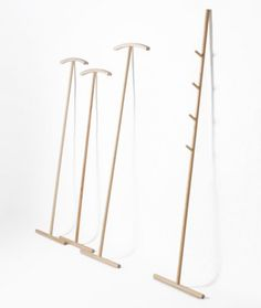 Working Title: Makeshift Solutions become Casual Furniture - Modern Wood Furniture, Furniture Design, Bathroom Furniture, Clothes Drying Racks, Clothes Hanger, Wooden Coat Hangers, Standing Coat Rack, Boutique Deco, Hanger Rack