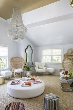 Lynne Scalo featured Lacquered Strie 4567 Gold (ceiling) & 4560 White in the 2013 Hamptons Designer Showhouse.