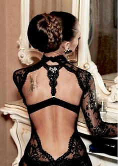 Beautiful black wedding dress.  I need this as an evening dress