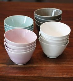 I want these pastel bowls. They have such as beautiful shape.