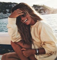 """""""My only goal in life right now is to be happy. Genuinely, intensely and consistently happy, regardless of what that looks like to others. Photos Plage Instagram, Summer Pictures, Beach Pictures, Surfergirl Style, Foto Casual, Photo Portrait, Summer Goals, Insta Pictures, Insta Photo Ideas"""