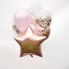 These six beautiful balloons make a gorgeous party bouquet. You and your guest will love these balloons, rose gold not to mention! A perfect party decoration. Glitter Balloons, Rose Gold Balloons, Confetti Balloons, Glitter Backdrop, Clear Balloons, Gold Confetti, Graduation Balloons, Graduation Party Decor, Birthday Party For Teens
